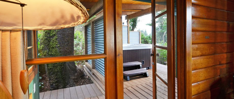 hot tub in private covered pergola