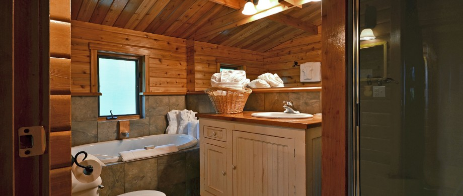 point no point resort cabin A Glacier Loft bathroom